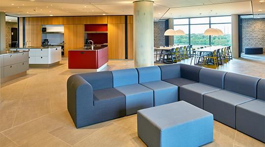 Billedet viser et fælleskøkken på Campus Kollegiet